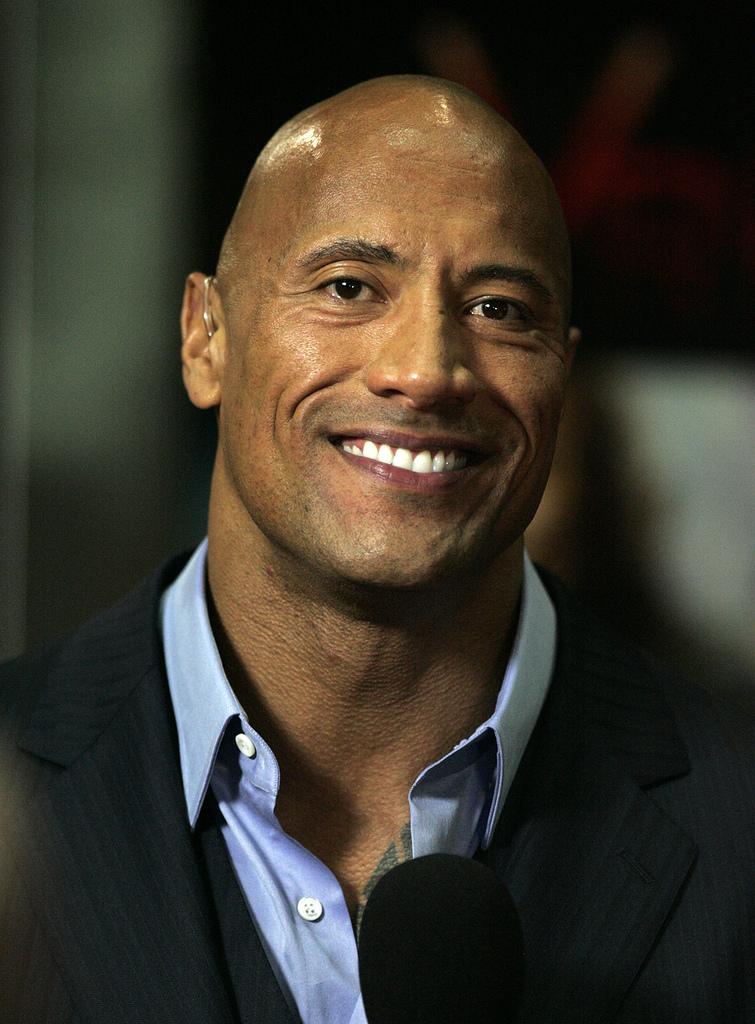 """""""The Rock"""", Dwayne Johnson, cel mai bine plătit actor din istoria Forbes Celebruty 100, având un câștig de 124 miliaone de dolari într-un singur an."""